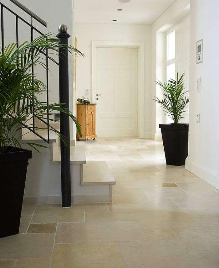 fliesen und naturstein f r eingang flur und diele flurfliesen dielenfliesen eingangsfliesen. Black Bedroom Furniture Sets. Home Design Ideas