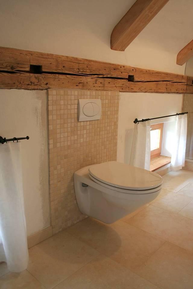 wie verlegt man fliesen im bad das beste aus wohndesign. Black Bedroom Furniture Sets. Home Design Ideas