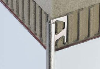 fliesenschienen f r kerlite d nne fliesen superd nne fliesen laminam feinsteinzeug. Black Bedroom Furniture Sets. Home Design Ideas
