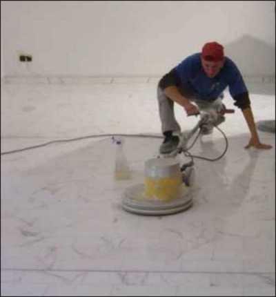 Marmorboden, Marmor, Terrazzo, Steinboden, Betonboden fugenlos schleifen, polieren und kristallisieren