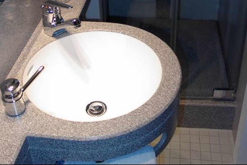 mineralwerkstoff becken arbeitsplatten und waschtischplatten aus mineralwerkstoff berlin. Black Bedroom Furniture Sets. Home Design Ideas