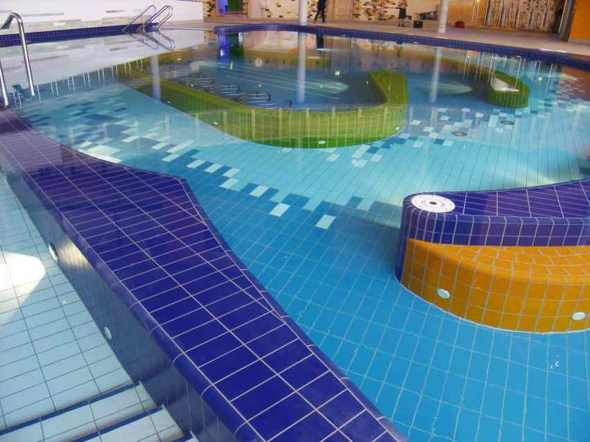 Schwimmbadfliesen, Schwimmbadfliesen, Schwimmbad Schwimmbecken Fliesen Pool  Fliesen, Schwimmbadsanierung, Poolfliesen Berlin, ...