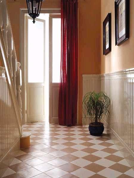treppenhaus fliesen f r alte klassische hauseing nge. Black Bedroom Furniture Sets. Home Design Ideas