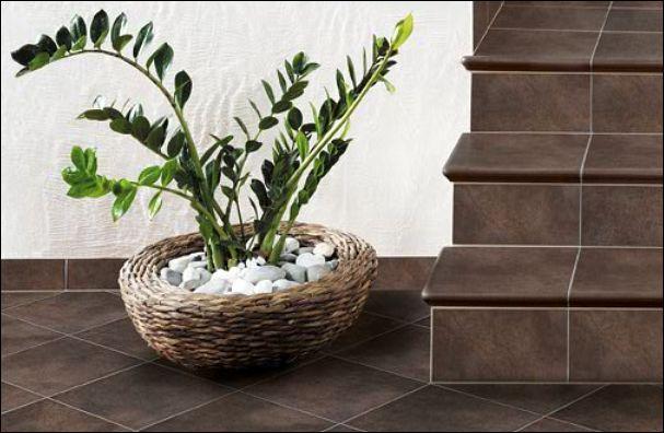 treppenfliesen fliesen und naturstein treppen geflieste. Black Bedroom Furniture Sets. Home Design Ideas