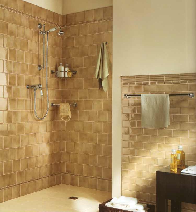alte badfliesen verkleiden alte badfliesen verkleiden schner wohnen bad fliesen in gold full. Black Bedroom Furniture Sets. Home Design Ideas
