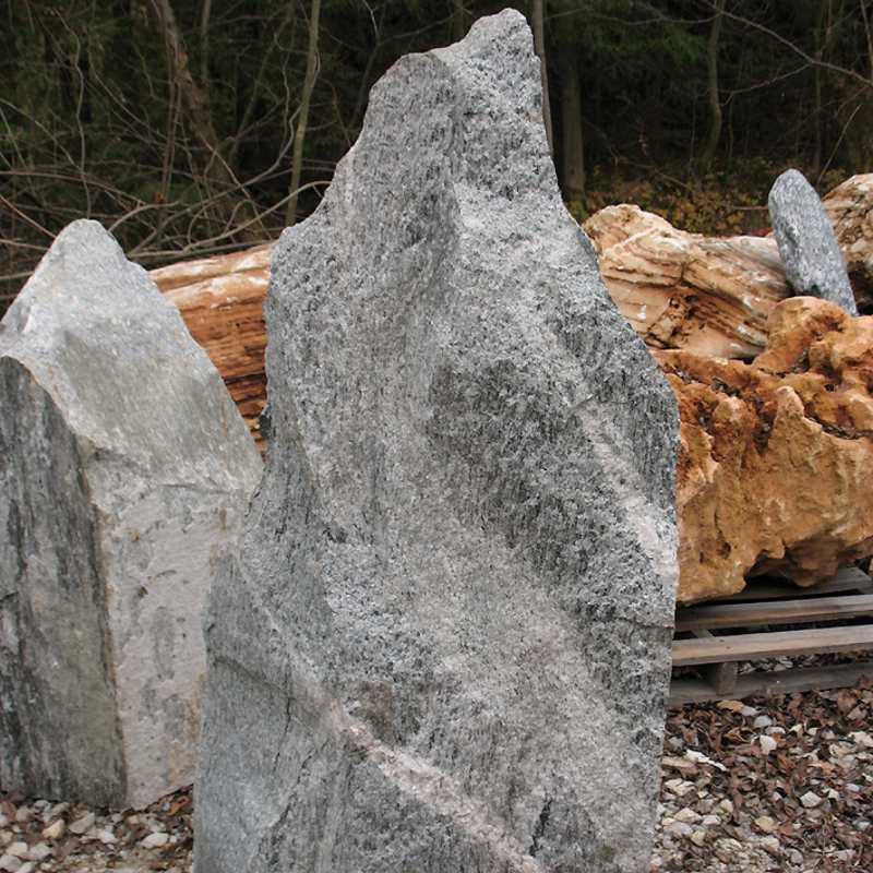 findlinge naturstein findling findlinge steine naturstein On ziersteine im garten