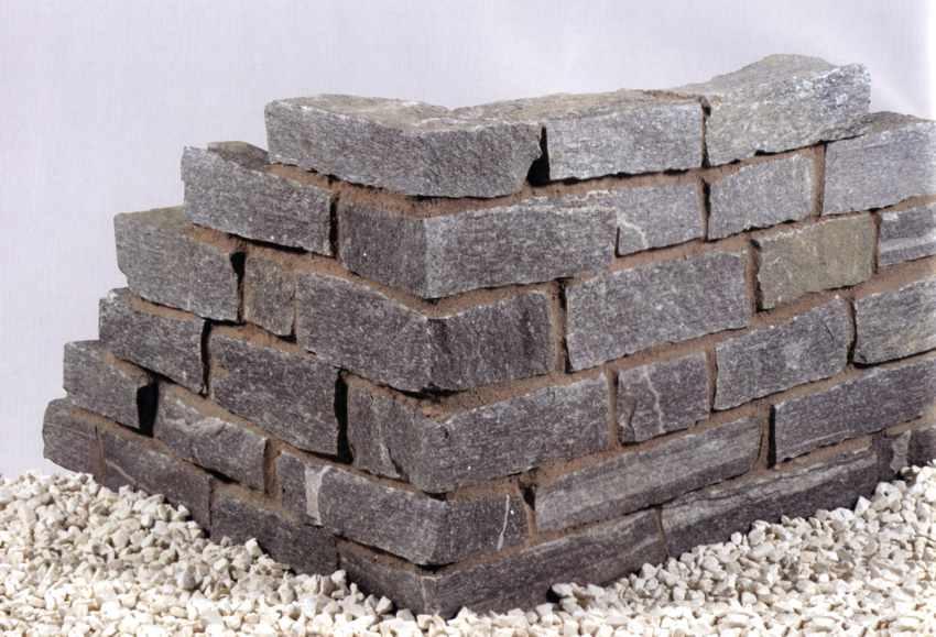 naturstein mauer steinmauer mauer aus naturstein. Black Bedroom Furniture Sets. Home Design Ideas