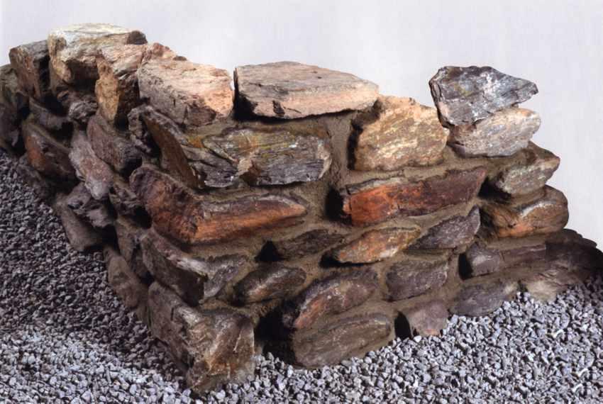 naturstein mauer steinmauer mauer aus naturstein kalkstein trockenmauer sandstein und. Black Bedroom Furniture Sets. Home Design Ideas